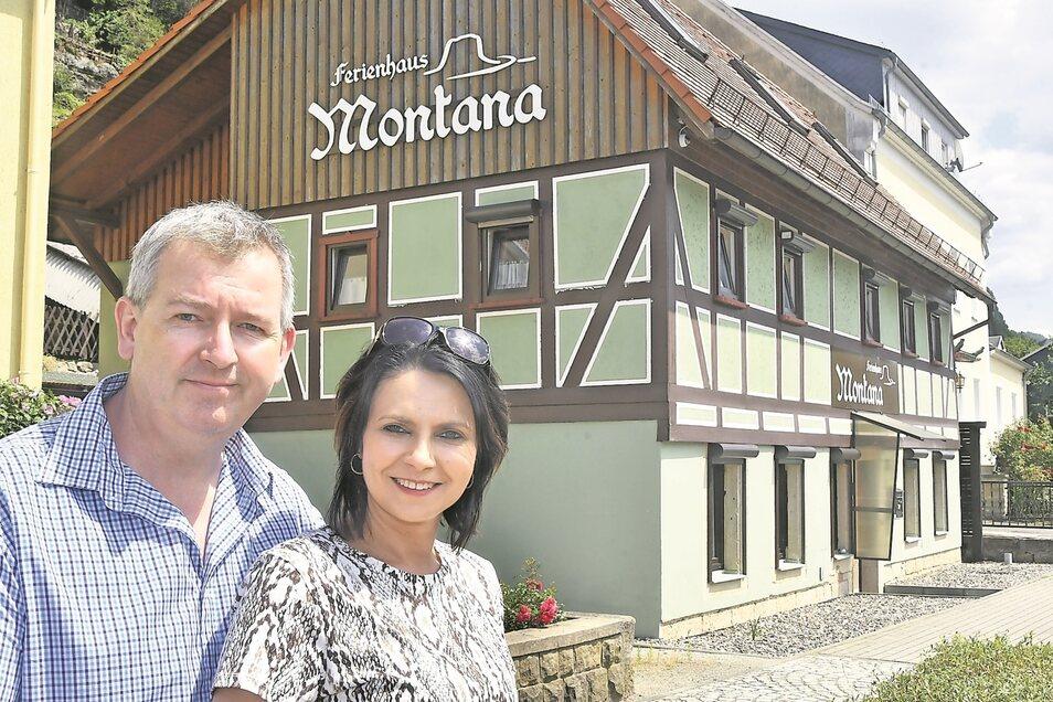Dirk und Magda Prange sind mit ihrem Ferienhaus Montana in Postelwitz Landessieger in der Kategorie Ferienwohnung geworden.