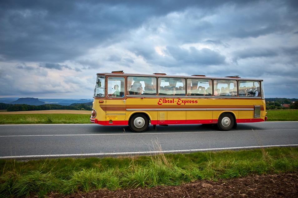 Reisen wie auf Omas Couch: Der Fleischer S 4 von 1975 kommt behäbig, dafür aber mit Stil voran.
