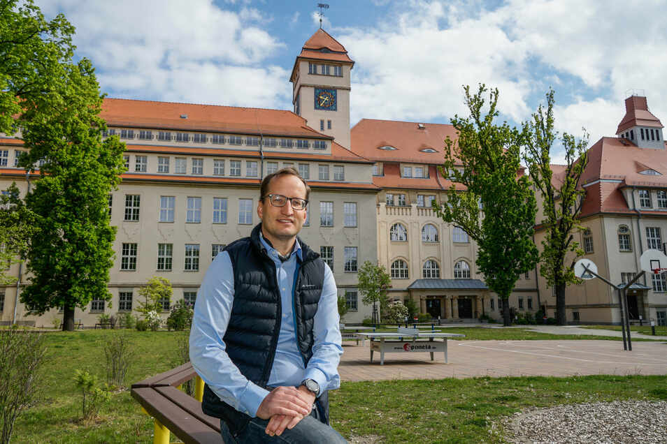 Stefan Läsker ist erleichtert: Seine Tochter kann ab dem neuen Schuljahr am Gymnasium Bischofswerda lernen. Lange war unklar, ob alle angemeldeten Schüler aufgenommen werden.