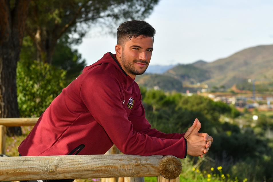 Daumen hoch, wenn auch unbeabsichtigt. Im Januar im Trainingslager in Spanien ist die Aufnahme von Marco Terrazzino entstanden – als Corona noch weit weg war.