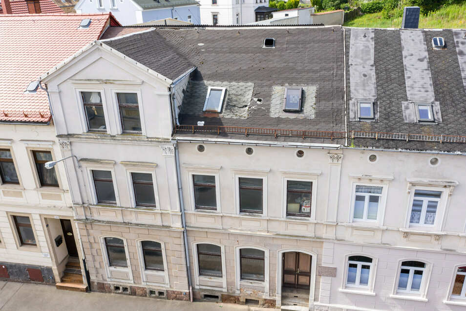 In diesem Haus auf der Friedrich-Naumann-Straße in Leisnig wurde  Friedrich Olbricht geboren. Das Gebäude wird immer mehr zur Ruine.