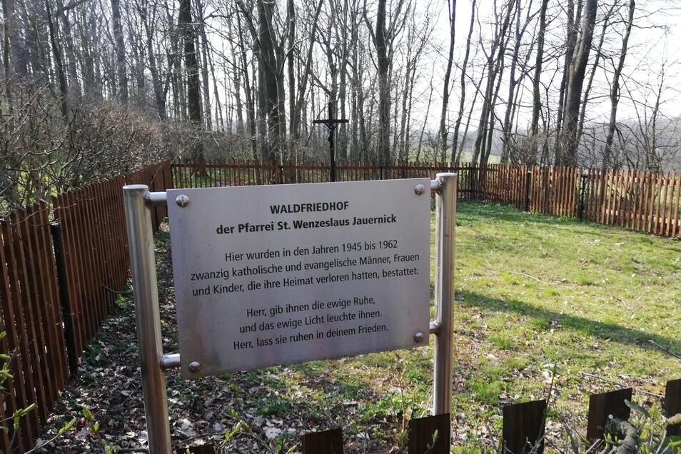 Der Waldfriedhof in Jauernick-Buschbach. Er wird als Gedenkstätte weiter gepflegt.