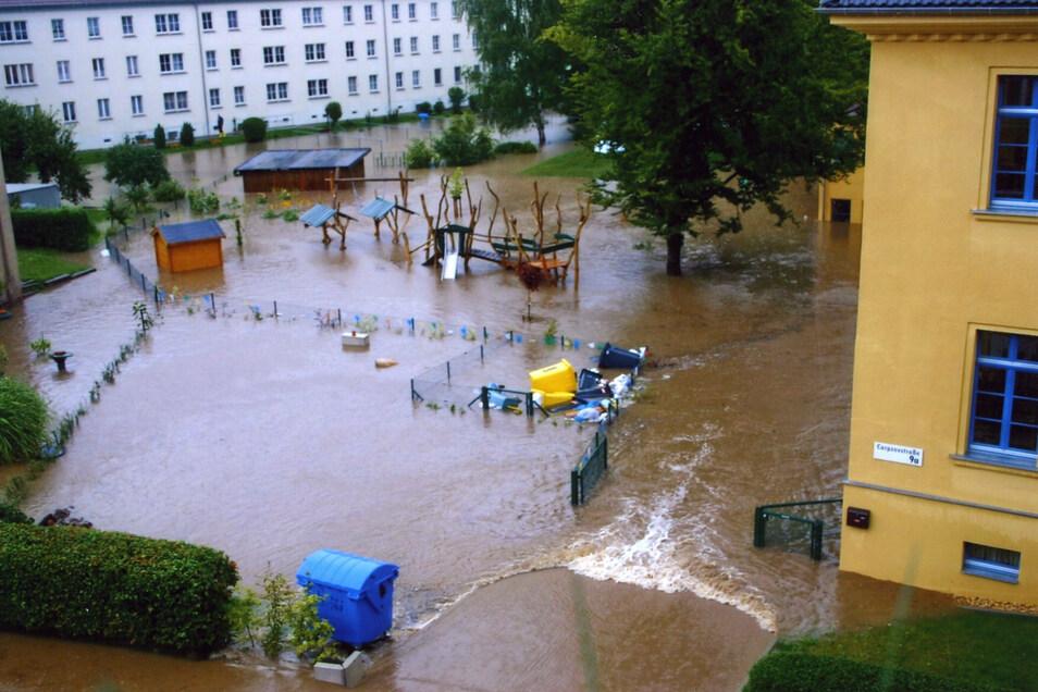 Auch das Gelände der Kita an der Carpzovstraße war komplett überflutet.