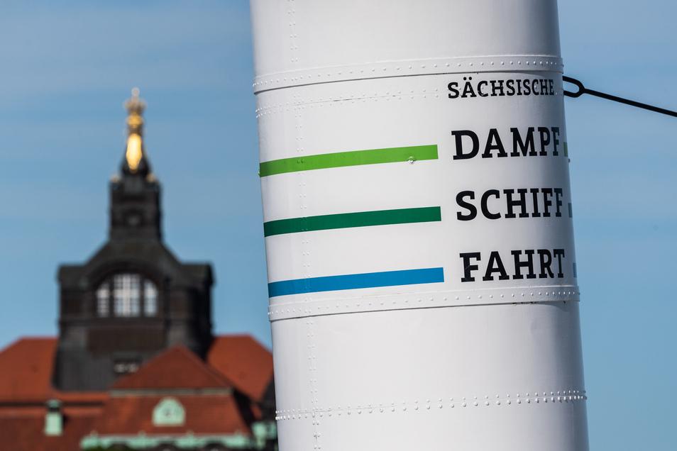 Wie wird in der Staatskanzlei entschieden? Übernimmt der Freistaat die Dampfer ganz? Manche Dresdner hoffen das für die historische Flotte.