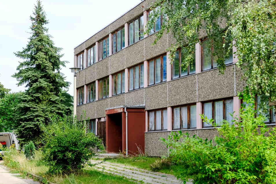 Das alte Gebäude, in dem sich bis Jahresbeginn die Coswiger Außenstelle der Meißner Tafel befand, wurde bereits abgerissen.