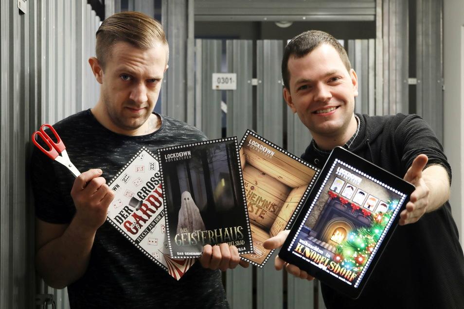 """Die Spieleerfinder Florian Thalmann (r.) und Christian Krebs aus Berlin mit ihrem """"Lockdown-Spiel""""."""