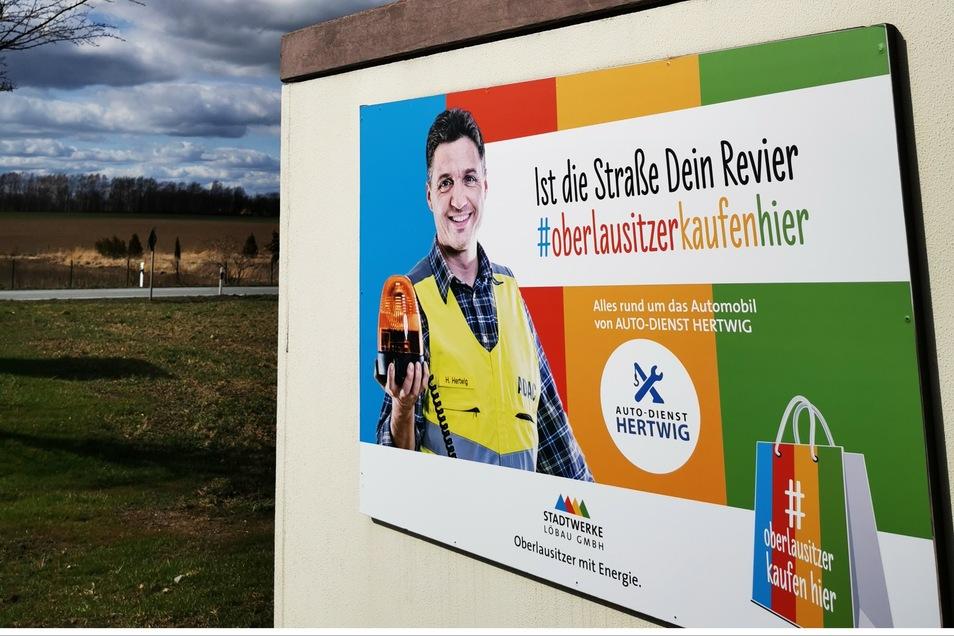 Mit Plakaten wie diesem in Löbau machen die Stadtwerke auf die Aktion aufmerksam.
