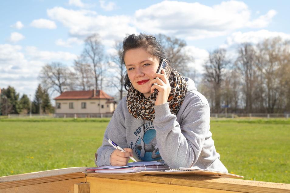 Julia Hein berät Beschäftigte aus Gesundheitsberufen, die für sich in der aktuell schwierigen Corona-Situation keinen Ausweg mehr finden.
