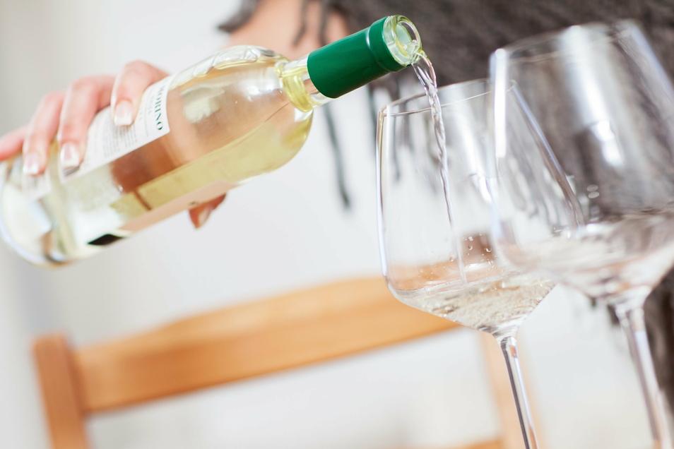 Dem Alkohol zugesprochen hatte eine 62 Jahre alte Autofahrerin. Sie wurde in Meißen mit 2,6 Promille erwischt.