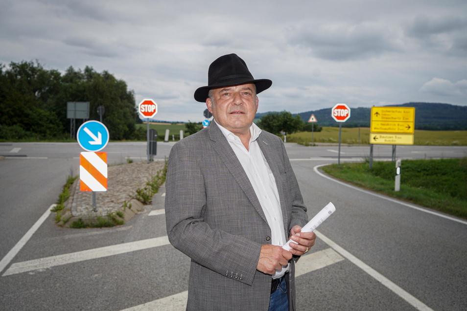 Der Bautzener Amtsrichter Dirk Hertle hat sich mit einem Brandbrief an das Landratsamt gewendet. Er fordert, dass die gefährlichste Kreuzung im Kreis Bautzen endlich sicherer gemacht wird.