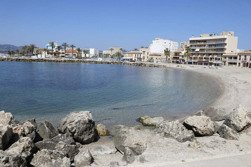Auch der Strand von El Molinar ist menschenleer.