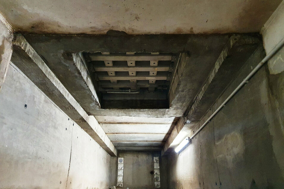 Das ist eine der sicheren Klappen zur Oberfläche, die erneuert wurde.