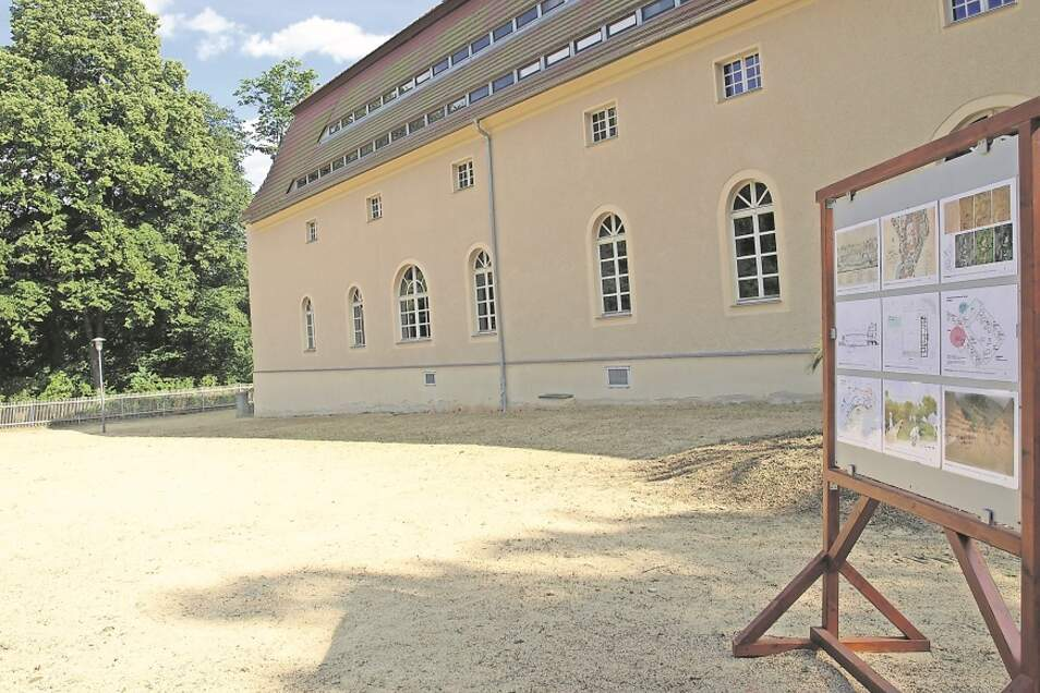 Das Kavaliershaus im Pückler-Park wird weiter saniert und erhält einen Anbau im Hof: Für ein Info-und Bildungszentrum Geopark Muskauer Faltenbogen.