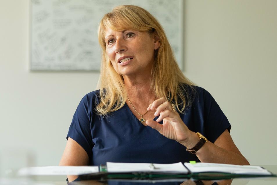 Petra Köpping, 62, hat im Dezember 2019 das Amt der Sozial- und Gesundheitsministerin in Sachsen übernommen.