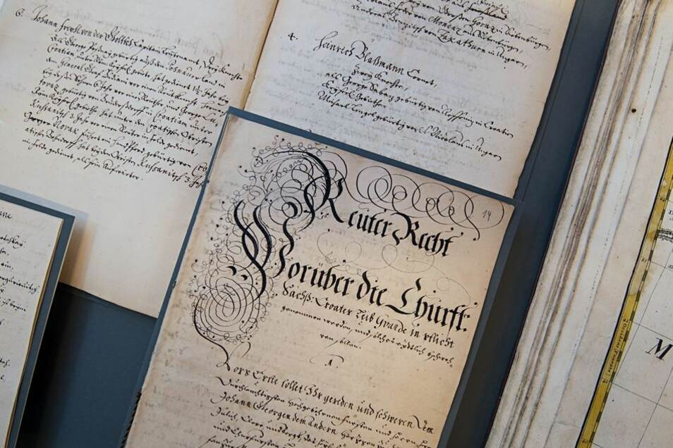 """Die Sonderausstellung zeigt auch historische Schriften aus Krabats Zeit, etwa das """"Reiterrecht""""."""