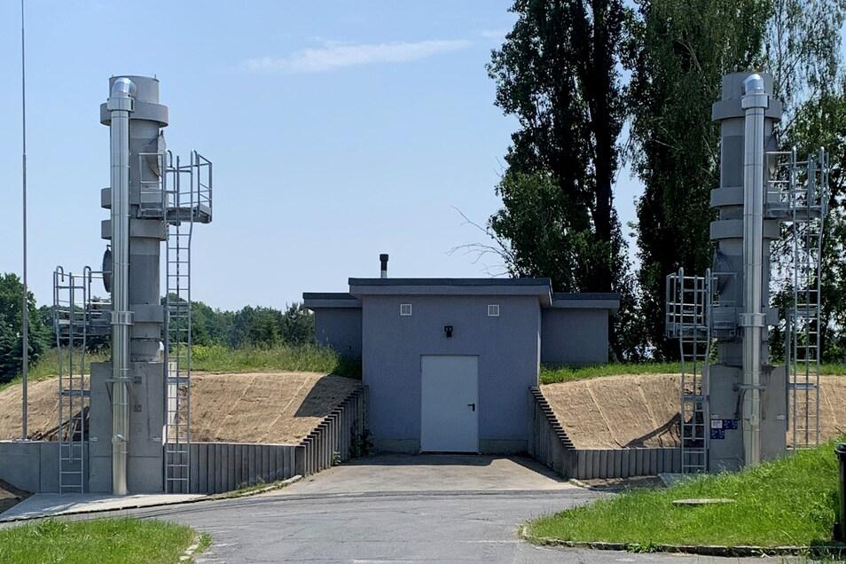 Über die Anlagen in diesen beiden Türmen in Kamenz-Jesau wird Kamenzer Trinkwasser aufbereitet.