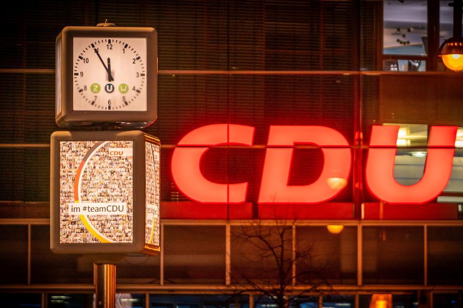 Fünf vor Zwölf: Die Entscheidung wird in der CDU noch nachhallen.