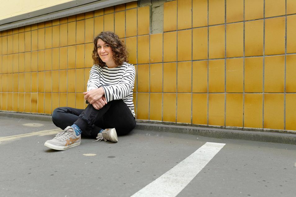 Fremdsein, Scham und doppelte Pubertät beschreibt Lena Gorelik in ihrem autobiografischen Roman.