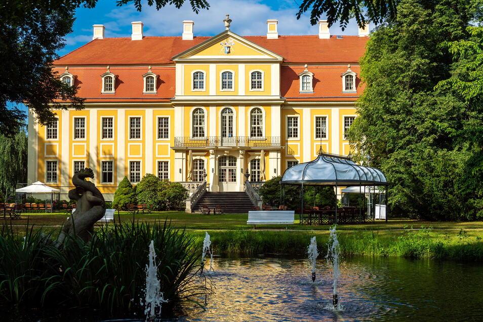 Der Rammenauer Schlosspark hat an allen drei Pfingsttagen von 10 bis 18 Uhr geöffnet.