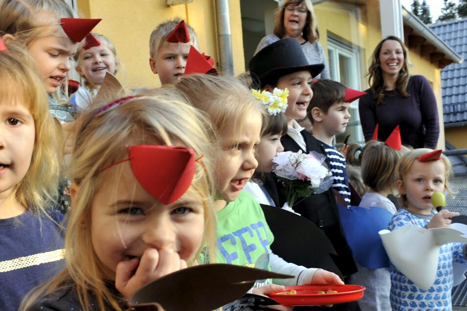 Zum Beispiel die Vogelhochzeit gehört zur sorbischen Kultur, die die Sorben in der Lausitz feiern. Die sorbische Identität zu bewahren, will die Leag weiterhin unterstützen.