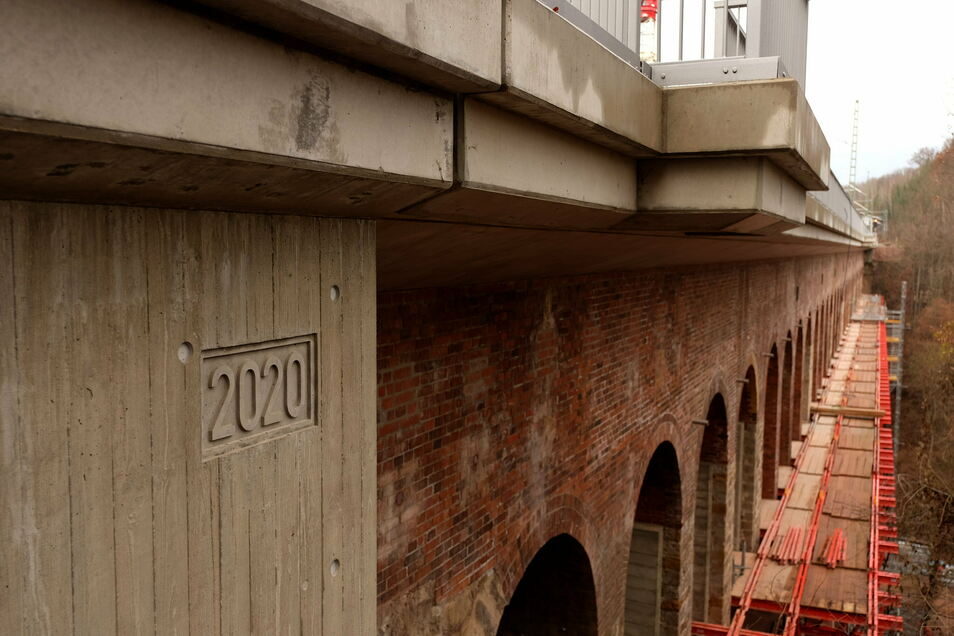"""Das Jahr der Sanierung ist am Viadukt """"eingearbeitet"""" worden. Erbaut worden ist es 1852."""