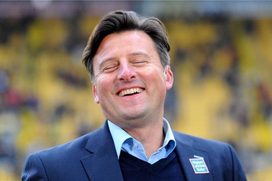 In der 73. Minute konnte Kaiserslauterns Trainer Kosta Runjaic erleichtert lachen...