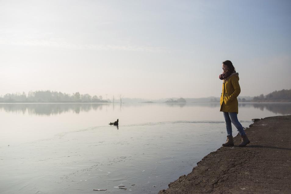 Der Stausee Quitzdorf im Winter. Im Sommer wird er einen Anblick komplett ohne Wasser bieten.
