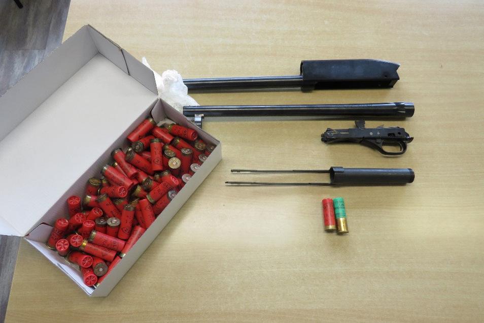 Die Teile gehören zu einer Winchester 1.300 Defender.