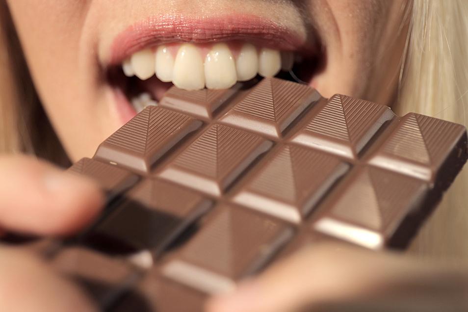 Auch auf Süßes verzichten die Deutschen ungern. Neun Kilo Schokolade, acht Kilo Speiseeis, 5,5 Kilo Zuckerwaren und ein Kilo Honig nascht jeder pro Jahr.
