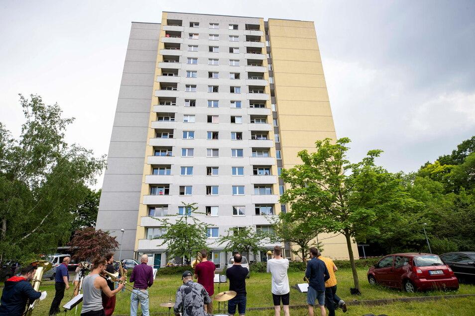 Die Bewohner des Studentenwohnheims dürfen das Haus bis einschließlich 8. Juni nicht verlassen.