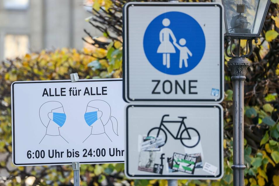 Wie der Landkreis Leipzig am Mittwoch mitteilte, gilt von Donnerstag (3. Dezember) an eine Allgemeinverfügung, die unter anderem Ausgangsbeschränkungen vorsieht.