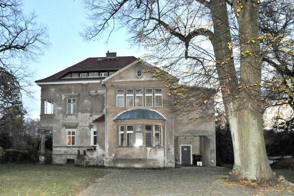 Die imposante Lingner-Villa ist in Reichenbach die Zentrale der MLPD.