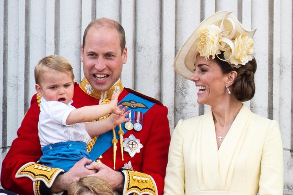 Prinz Louis mit seinen Eltern, Prinz William und Herzogin Kate.