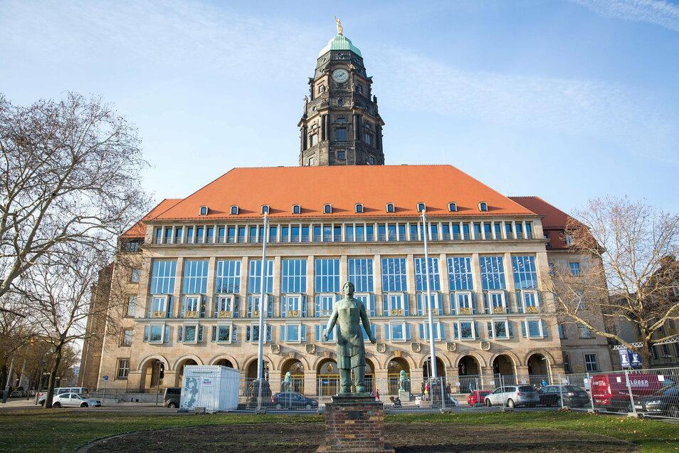 Auch in das Dresdner Rathaus werden ab diesem Jahr erneut Millionen investiert.