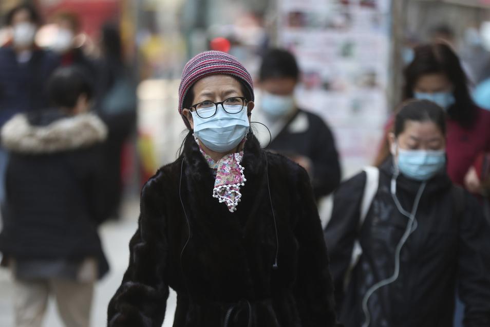 Wer in der Öffentlichkeit einen Mundschutz trägt, wird schnell mit dem Corona-Virus in Verbindung gebracht.