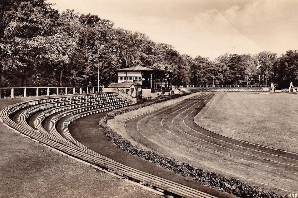 Eine historische Aufnahme des Stadions, das zwar oft den Namen änderte, aber immer Magnet blieb.