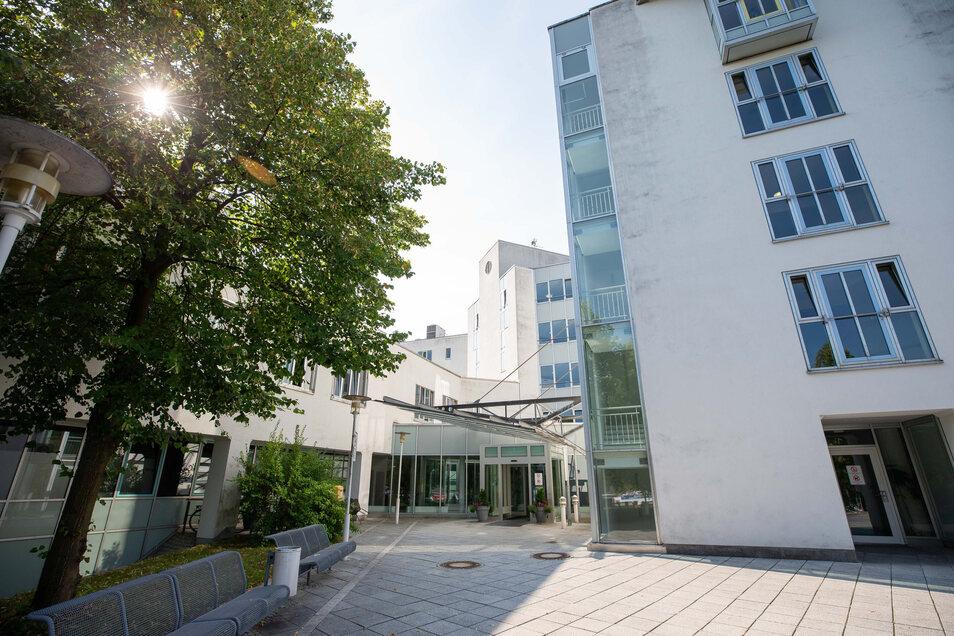 In der Asklepios Sächsische Schweiz Klinik Sebnitz werden derzeit vier mit Covid-19 infizierte Menschen behandelt.