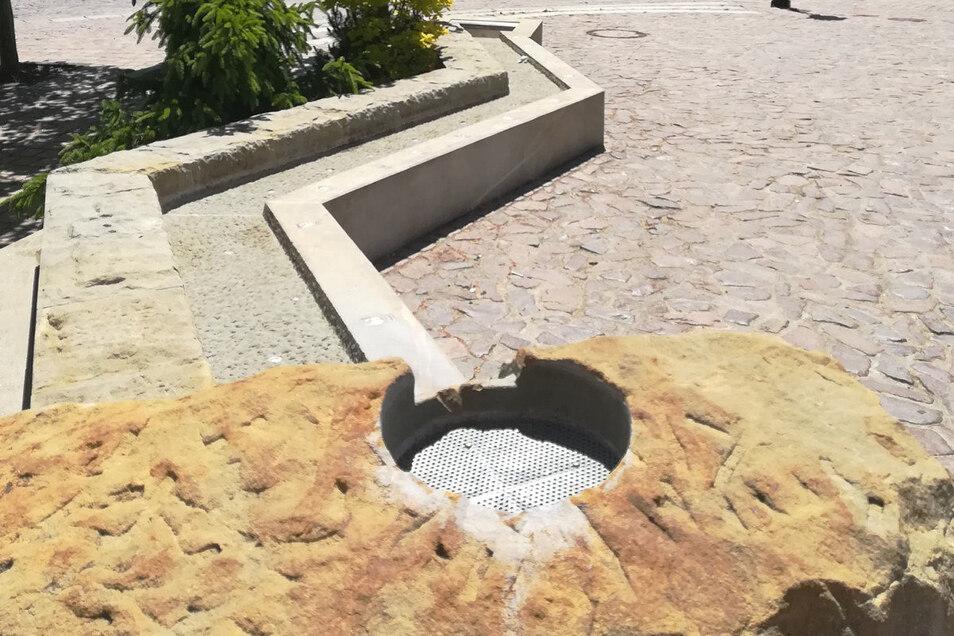 Das dem Muldenlauf nachempfundene Wasserspiel auf dem Marktplatz wird bald wieder plätschern. Außerdem soll demnächst ein Trinkbrunnen installiert werden.