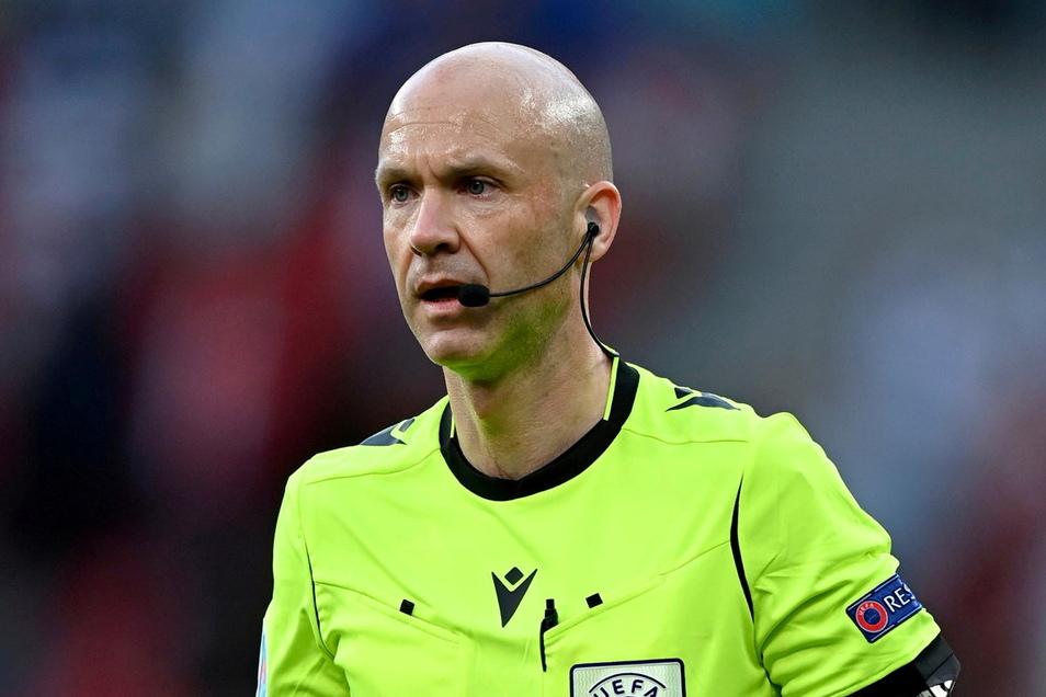 Der Engländer Anthony Taylor wird das Spiel der deutschen Mannschaft gegen Portugal pfeifen.
