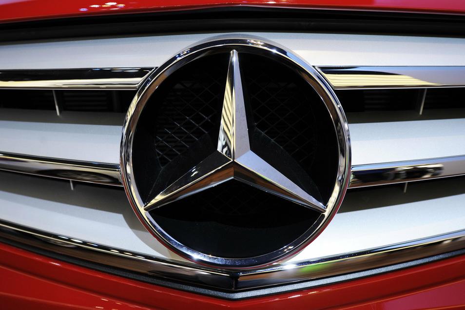 Der Angeklagte hat mehrere hochpreisige Mercedes gemietet, diese aber anschließend nicht bezahlt.