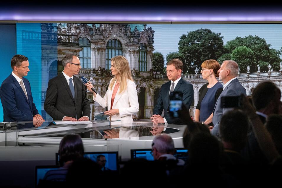 """Erste Statements zu den Wahlergebnissen gab es bei der ARD-""""Elefantenrunde"""" mit den Spitzenkandidaten der künftig im Landtag vertretenen Parteien."""