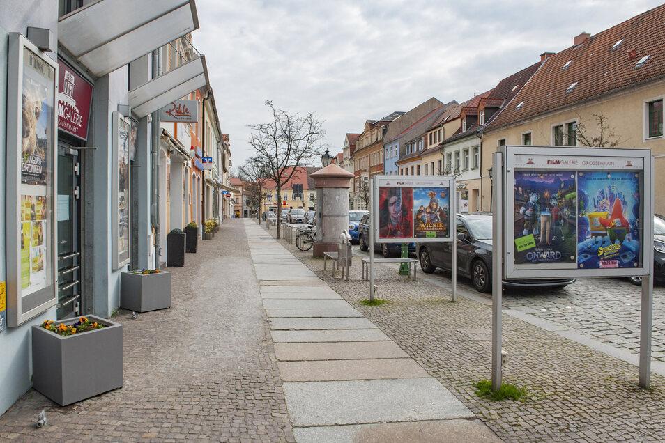 Schon bald könnten in der Innenstadt vor den Geschäften gebührenfreie Werbeträger stehen. Die Großenhainer Verwaltung feilt derzeit an den Details.