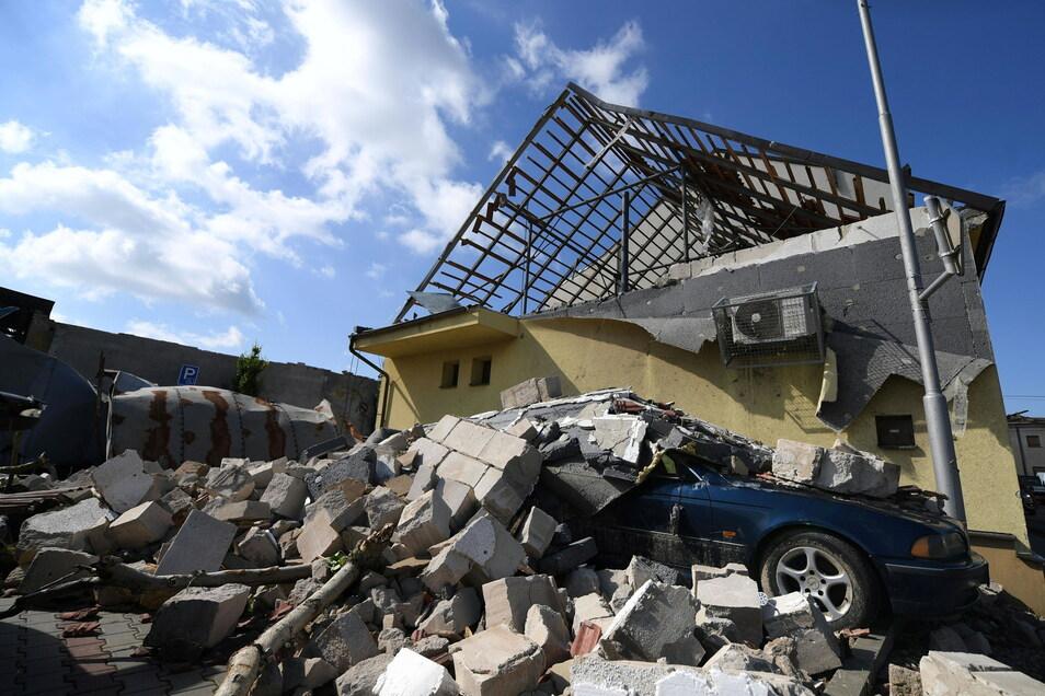 Ein Tornado hat in Tschechien für verheerende Zerstörungen gesorgt.