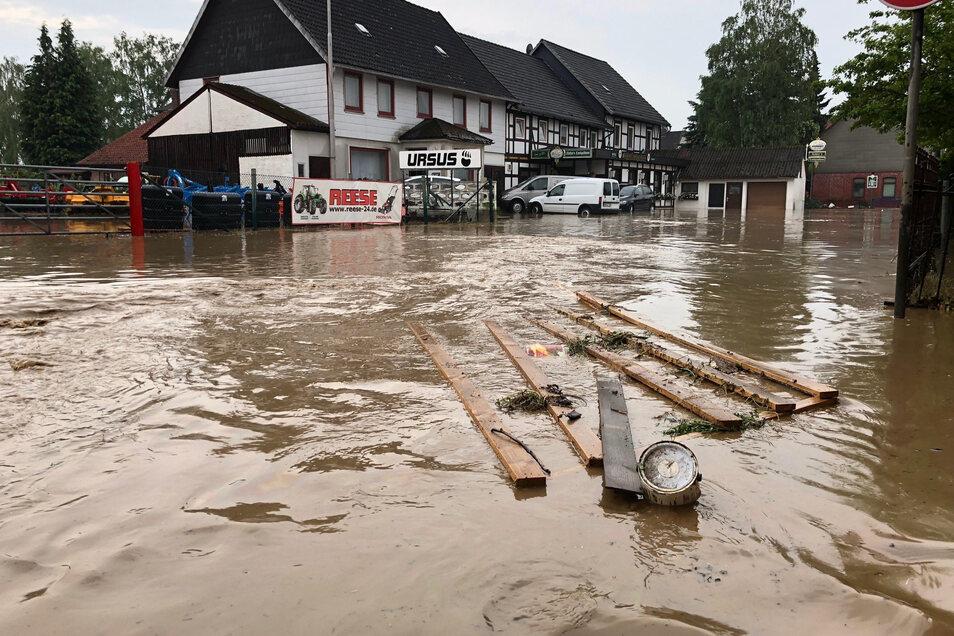 Wenn Starkregen zu Überschwemmungen führt, muss die Versicherung vorher angepasst worden sein, um zu greifen.