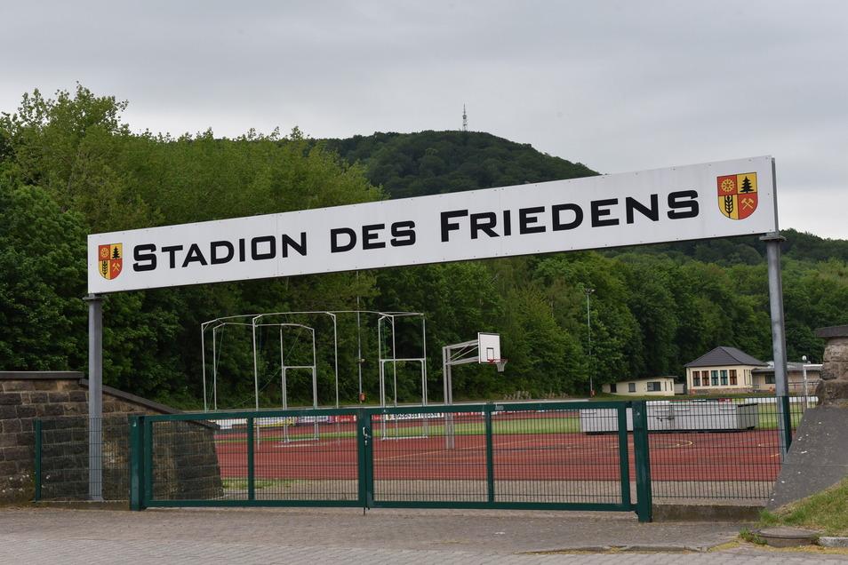 """Im Freitaler Stadion des Friedens findet am Sonnabend die """"Internationalen Para Leichtathletik"""" statt. Über 70 Teilnehmer werden dazu erwartet."""