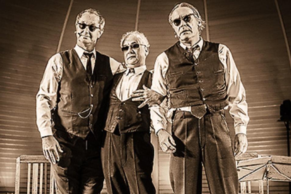 Das Zwinger-Trio gibt ein Gastspiel im Theaterzelt am Elbufer in Rathen.