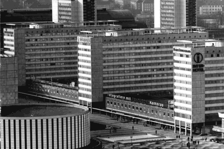 1975 prangte das Interhotel-Logo am Haus Lilienstein, das hier rechts zu sehen ist.
