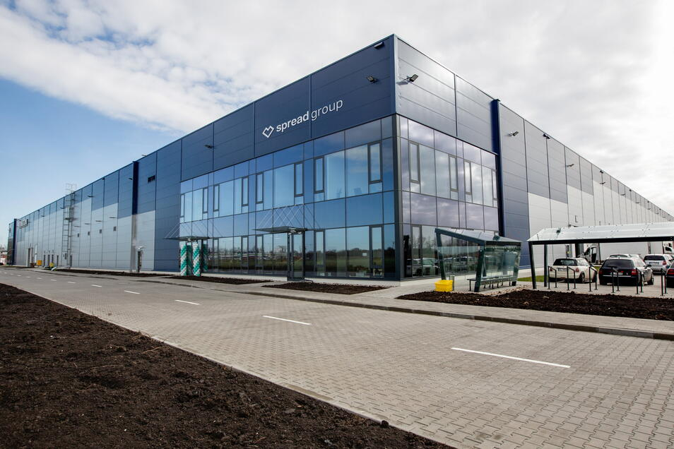 Das neue Produktionsgebäude der Spread Group in Legnica biete Platz für ein vergrößertes Warenlager, einen erweiterten Maschinenpark sowie mehr Büroräume.