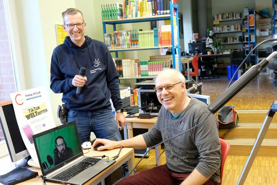 Tobias Stange (l.) und Jens Ribbeck bereiten den Start des neuen Crasso-Forums vor.