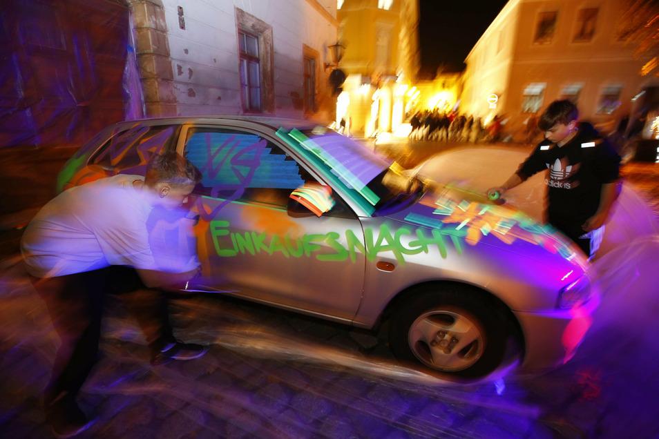 Die Kamenzer Einkaufsnacht zieht Ende November immer Tausende Besucher an. Doch in diesem Jahr fällt sie coronabedingt aus.